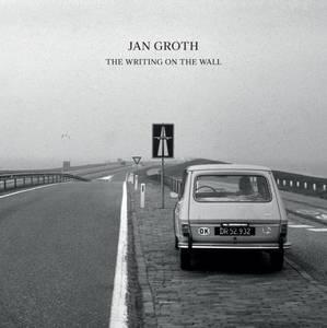 Bilde av Jan Groth: The Writing On The