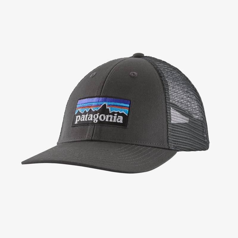 Bilde av Patagonia P-6 Logo LoPro Trucker Hat Forge Grey