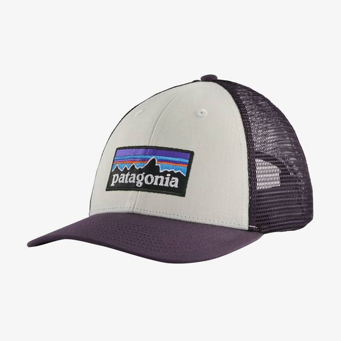 Bilde av Patagonia P-6 Logo LoPro Trucker Hat White