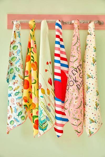 Bilde av KJØKKENHÅNDKLE - Delightful Daisies Print - Rice