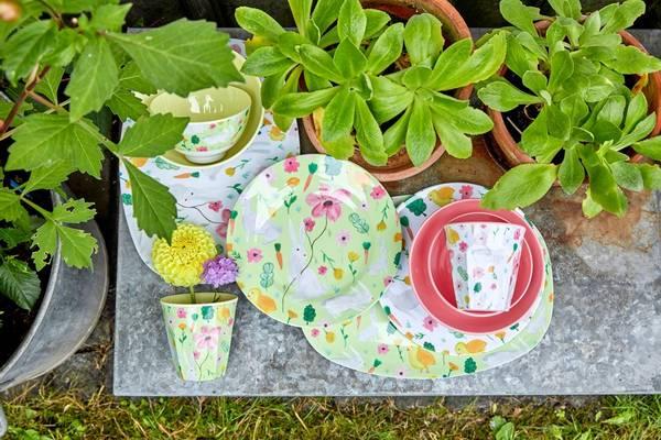 Bilde av REKTANGULÆR TALLERKEN - Eplegrønn - Easter Print - Rice