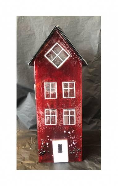 Bilde av Glass hus rød 26 cm