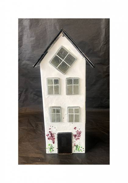 Bilde av Glass hus hvit 24 cm