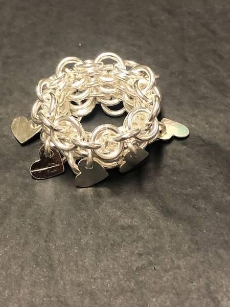 Bilde av Heklet sølv ring med hjerter