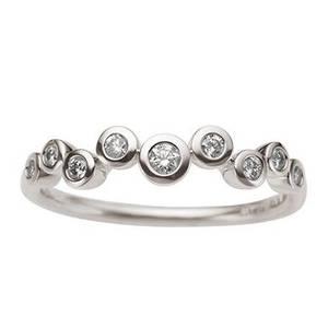 Bilde av Hvittgull ring med 9 diamanter