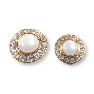 Bilde av Gull knapp med diamanter og stor perle