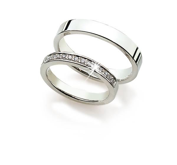 Gifteringer m/diamant 8130/4940 4mm