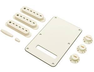 Bilde av Fender Strat Accessories Kit - pergamenthvit
