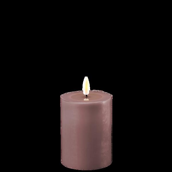 Bilde av Lys lilla led-kubbelys 7,5x10cm