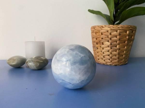 Bilde av Blå Kalsitt Sphere 1000gram