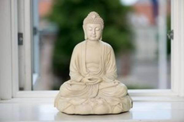 Bilde av Amithaba Buddha 29 cm Hvit