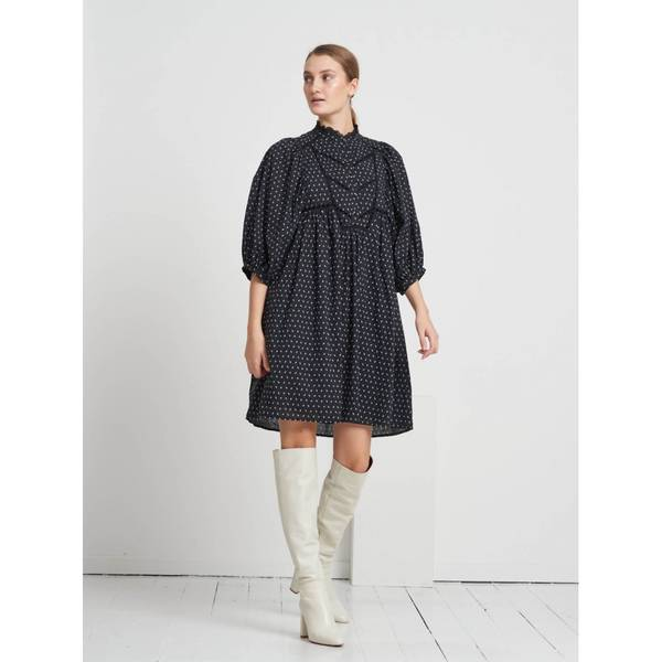 Bilde av Bruuns Bazaar Aster Saria Dress Black Print