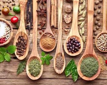 Bilde av Krydder + buljong + salt