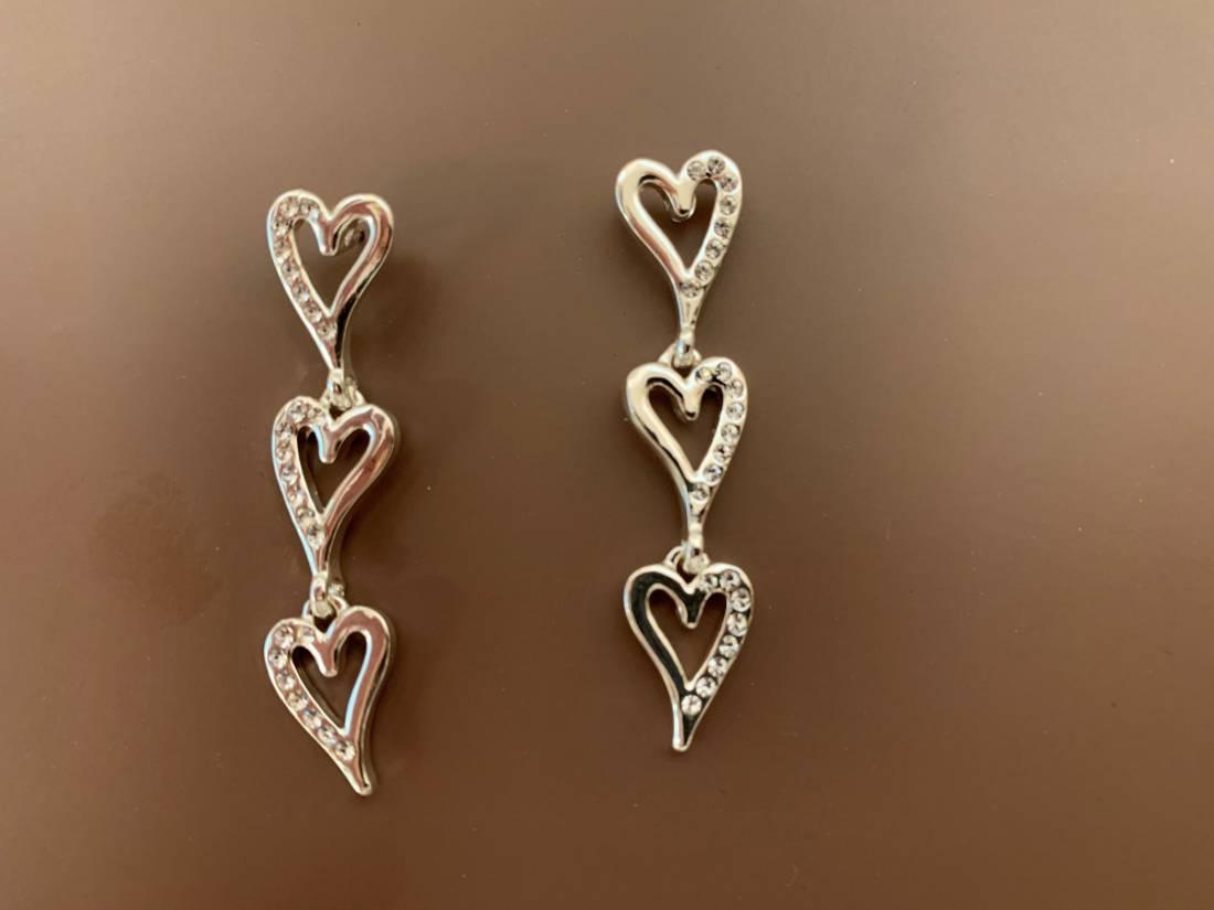 60151 Øredobb tre hjerter sølvfarget