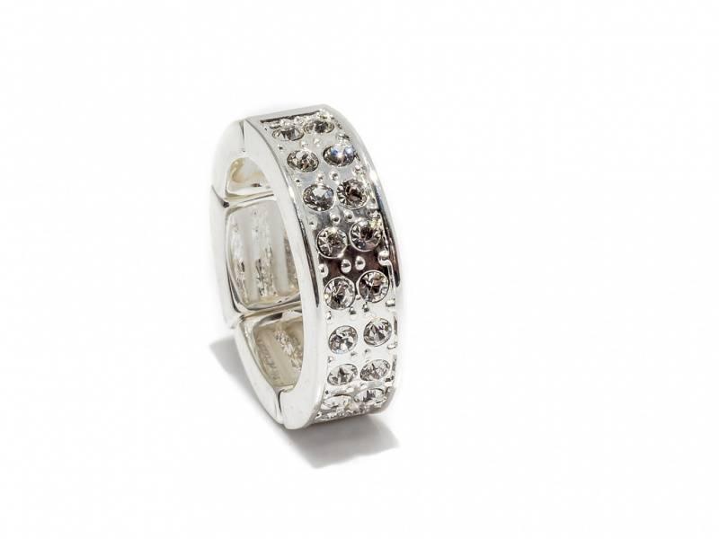50102 Ring sølvfarget med blanke stener rundt