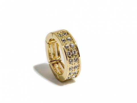 Bilde av 50103 Ring gullfarget med blanke stener rundt