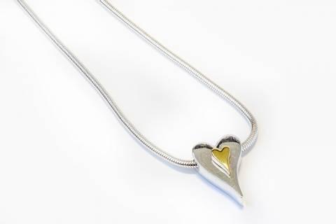 Bilde av 10552 Kort smykke med hjerte