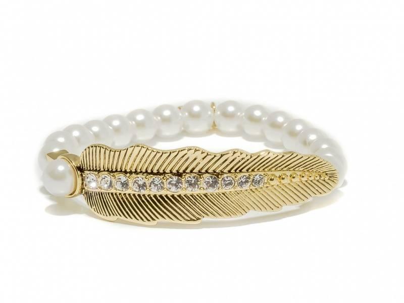 80143 Armbånd strikk hvite perler blad i gullfarge