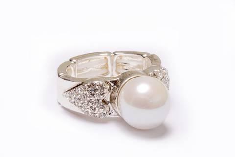 Bilde av 30086 Ring med stor hvit perle