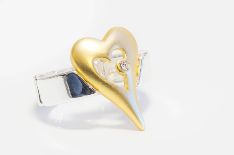 30099 Ring med åpent hjerte