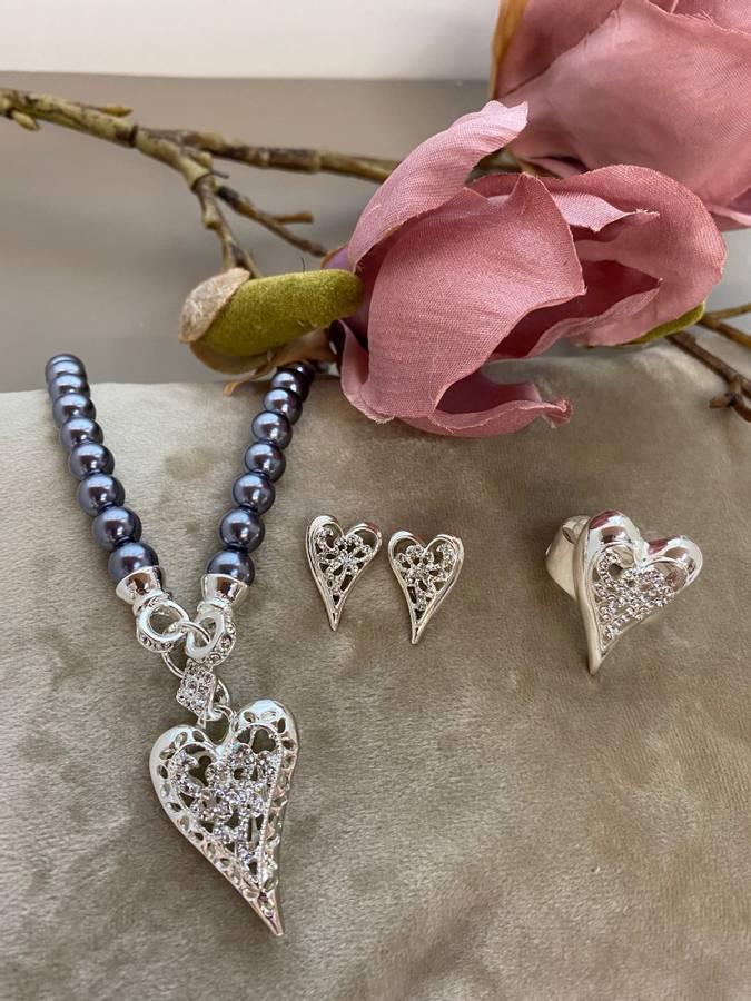 10708 Kort grå perler hjerte med stener