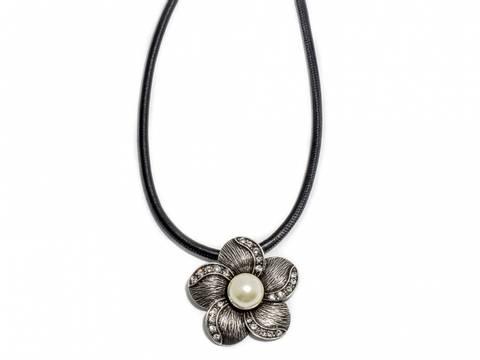 Bilde av 90101 Kort halssmykke med skinnrem stor blomst