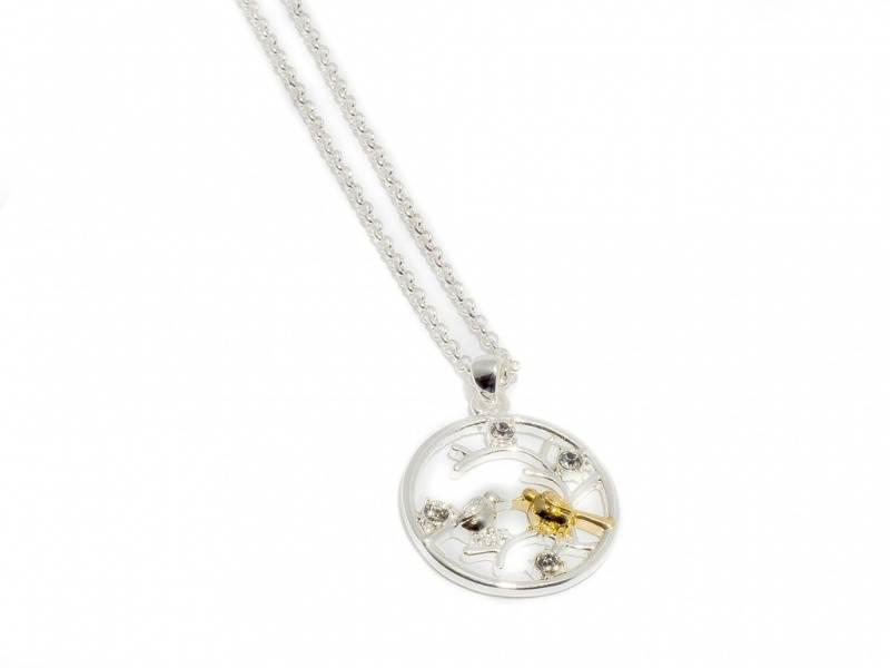 90105 Kort halssmykke sirkel med to fugler sølv og gullfarget