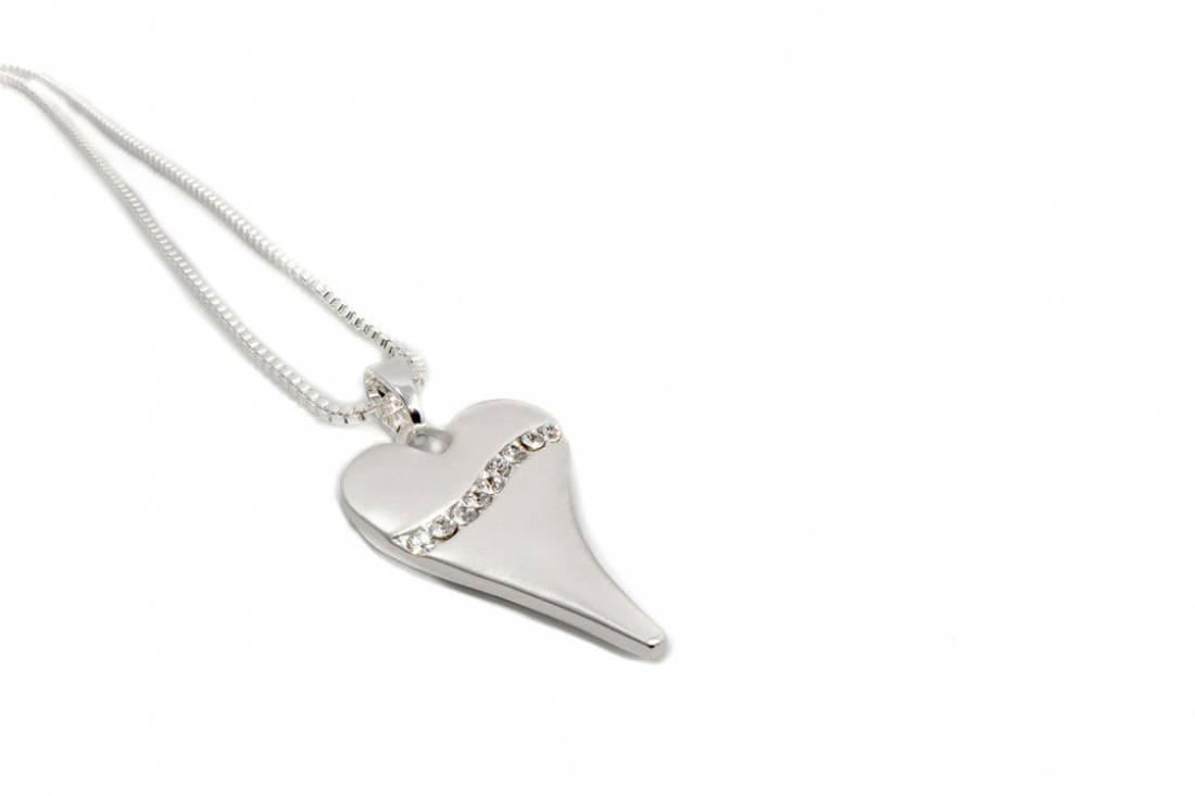 10714 Kort smykke matt hjerte