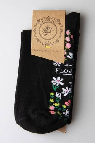 Bilde av 42002 Sokker sort med blomstereng under foten