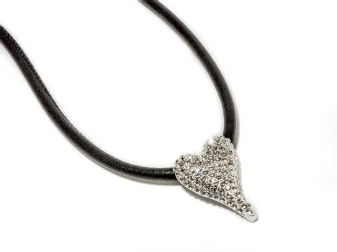 Bilde av 10621 Kort smykke skinnsnor lite hjerte med