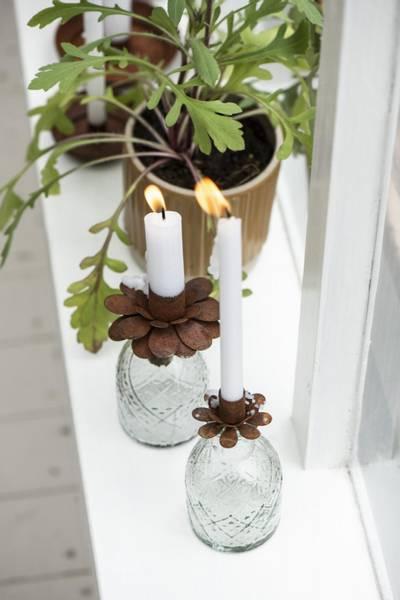 Lysholder til kronelys, blomst, rust