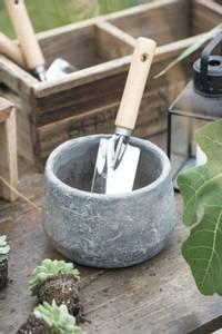 Bilde av Spade med trehåndtak og smalt blad