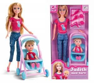 Bilde av Judith med barn og vogn