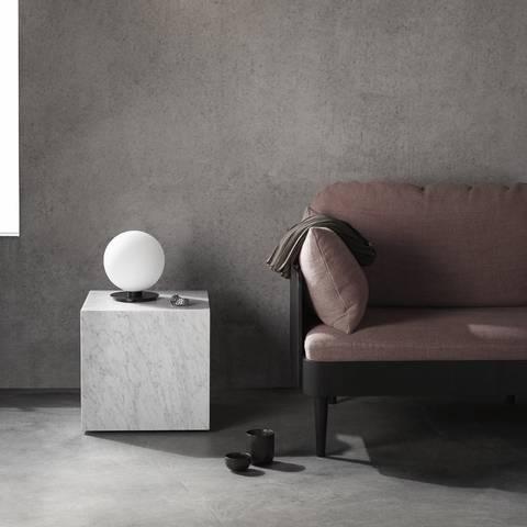 Bilde av Plinth Cubic Carrara Marble
