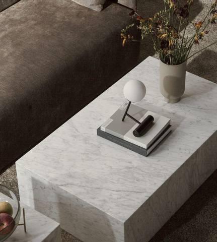 Bilde av Plinth Low Carrara Marble