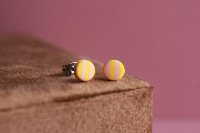 Bilde av CIRKUS dot øreringe, mini (klar gul/bubblegum)
