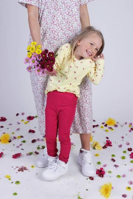 Bilde av ALMA-PANTS (KIDS) - CHERRY