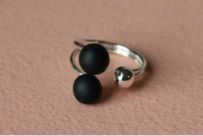 Bilde av svart ring messing