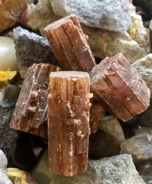 Bilde av Aragonitt Rød Krystaller