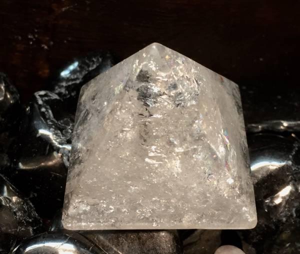 Bilde av Bergkrystall Pyramide 4x4cm