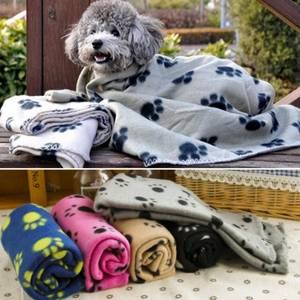 Bilde av Fleecepledd til hund med potetrykk 70x100cm