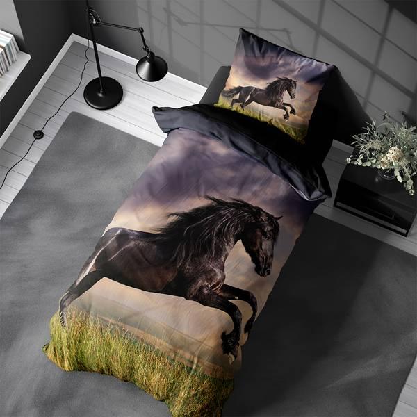 Bilde av Påslakanset Wild Stallion