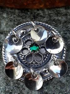 Bilde av Sølje til Alida med grønn sten