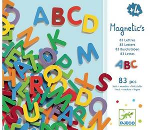 Bilde av Djeco Magneter, 83 bokstaver i Tre, Versaler