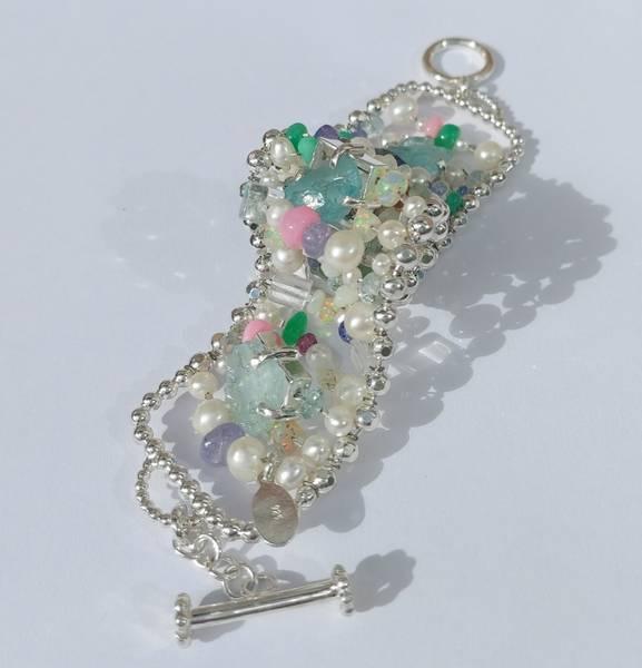 Perle og edelsten armbånd Sommer