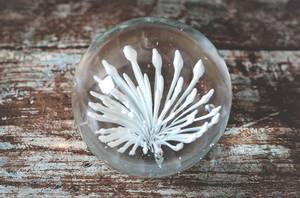 Bilde av Glasskule m blomst d 9 cm