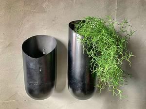 Bilde av Vase for vegg metall sort