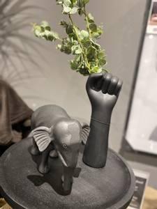 Bilde av Vase Hand svart