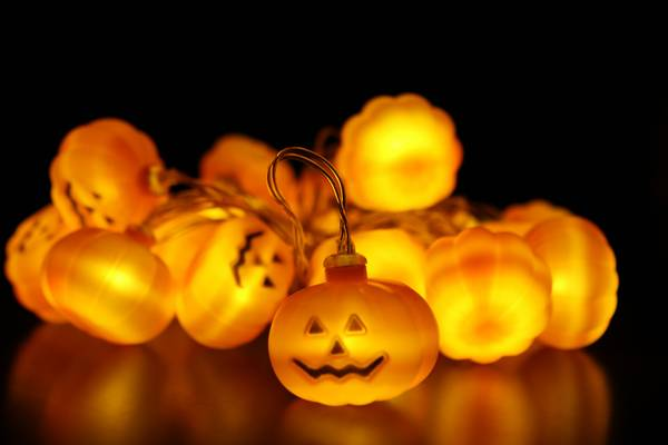 Bilde av Lyslenke gresskar - 3 meter 20 pærer. Halloween