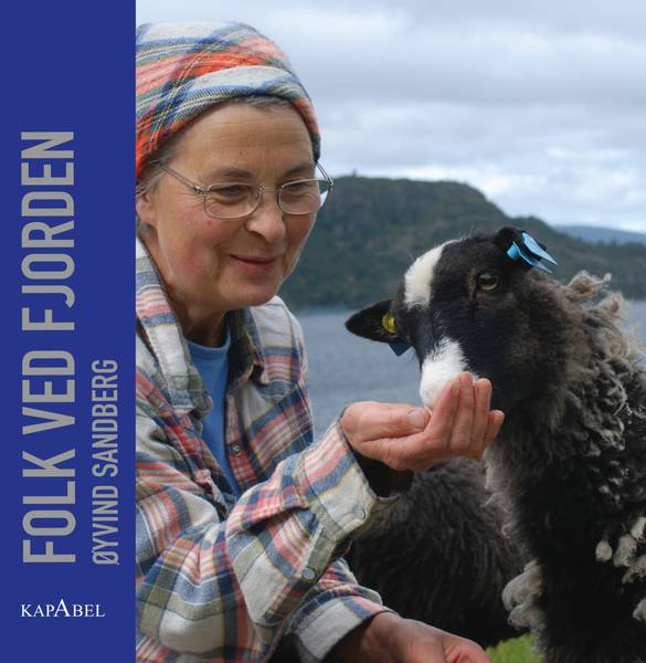 Bilde av Folk ved fjorden
